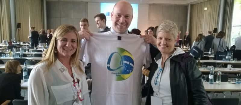 Dr. Zaina, Presidente SOSORT 2014 com time Projeto Escoliose